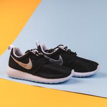 Женские кроссовки Nike Roshe Run, Black