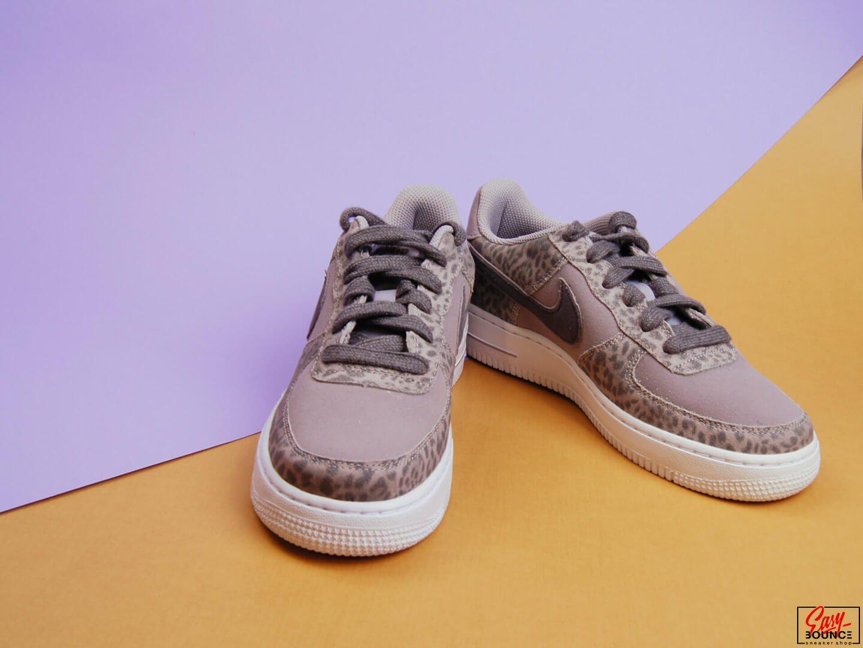 Женские кроссовки Nike Air Force 1 LV8 (GS) / Purple, Light Gray