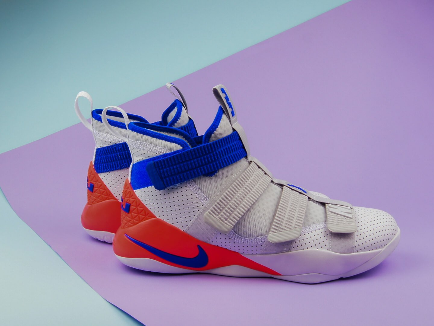 Мужские кроссовки Nike LeBron Soldier XI SFG, white/racer blue-infrared-pure platinum
