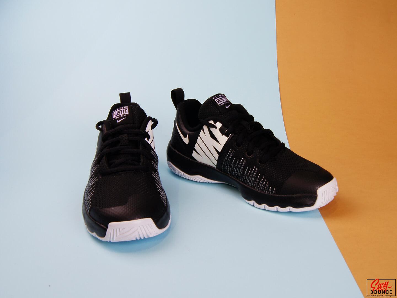 Детские кроссовки Nike Team Hustle Quick, Black/White