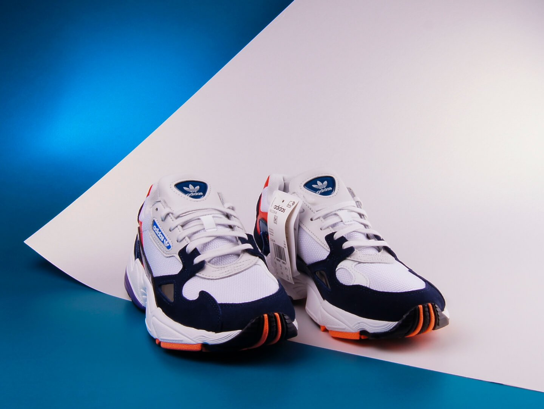 Женские кроссовки Adidas Originals FALCON / white,blue,red